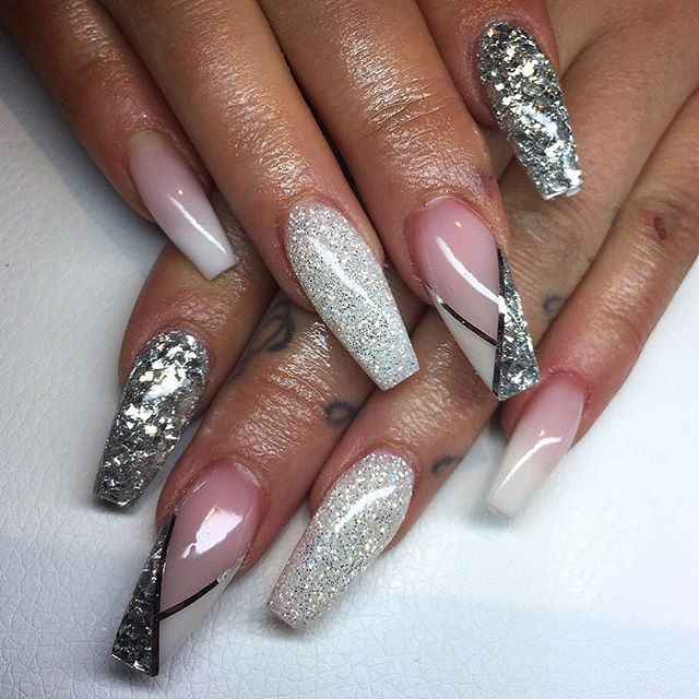 Pin By Karen Patricia On Nails White Acrylic Nails Pointy Nails Nail Designs Glitter