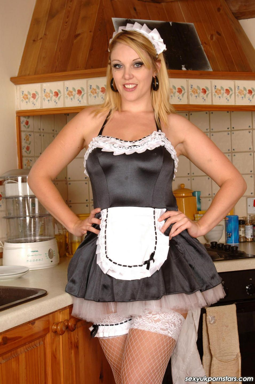 Домохозяйка в колготках фотосессия, порно видео видеокамера в деревенском туалете