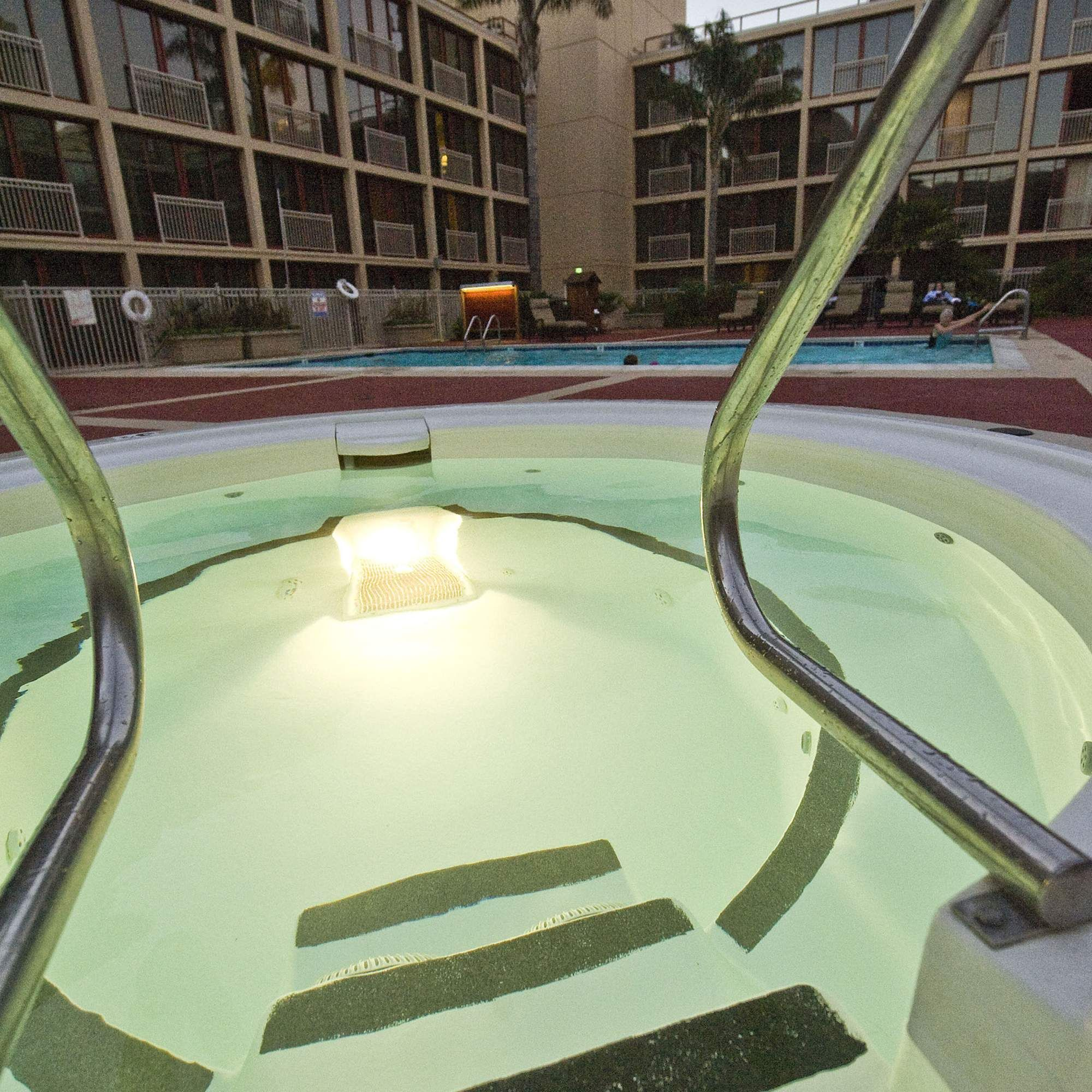 How To Sneak Into 5 Of The Best Hotel Pools In SF