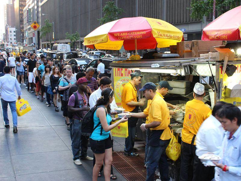 Ny Food Cart Legends Halal Guys Headed To Vegas Ny Food Nyc Food Good Pizza
