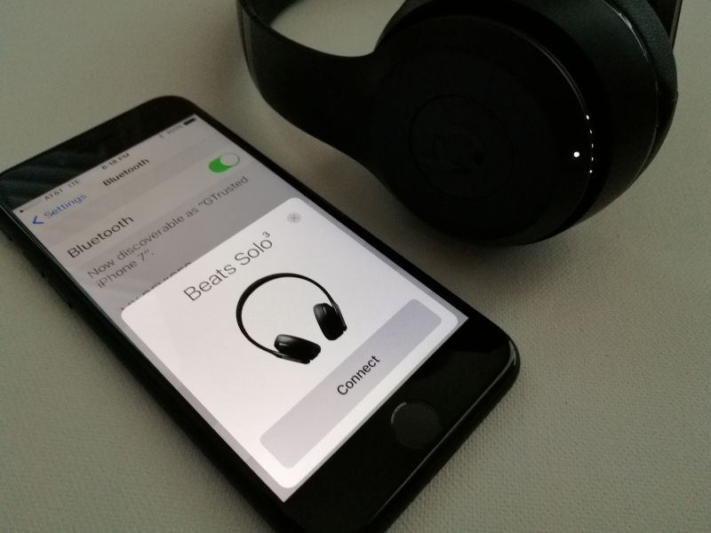 How To Pair The Beats Solo3 Wireless With The Iphone 7 Beats Headphones Wireless Wireless Beats Bluetooth Headphones Beats