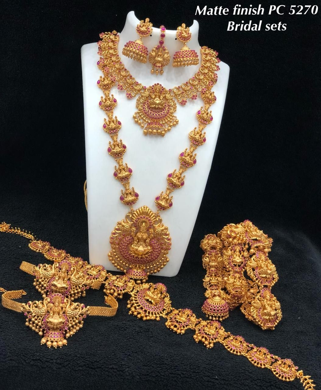 Pin Oleh Sarath Di Matte Finish Bridal Jewellery Weddings Jewellery Temple Jewellery Bridal Sets Indian Ad Bridal Sets