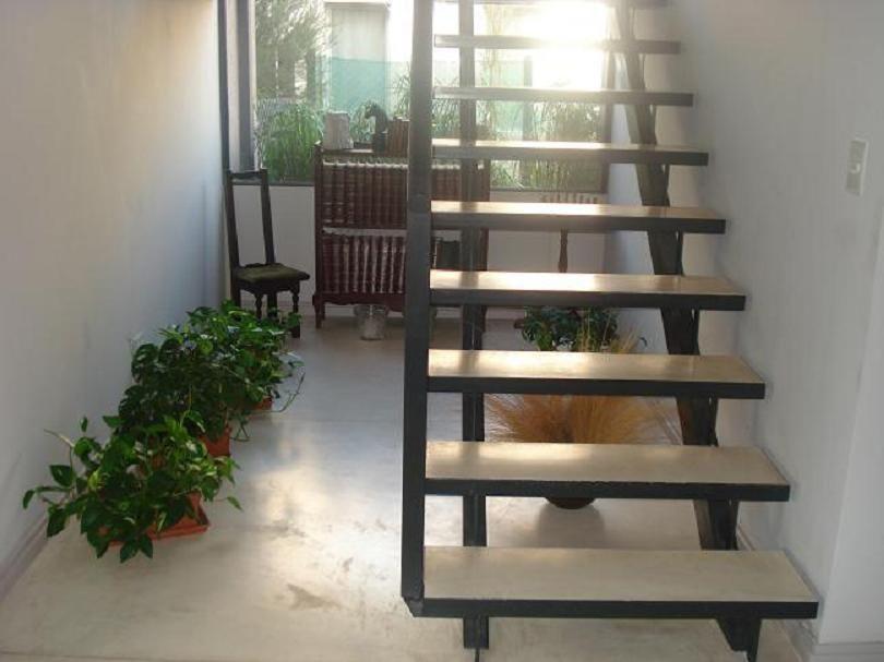 with maderas para escaleras interiores
