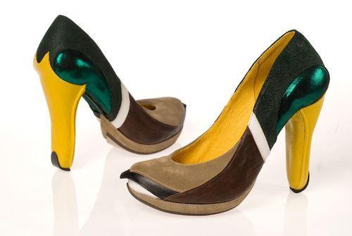 Mallard shoes - do they quack when you walk???