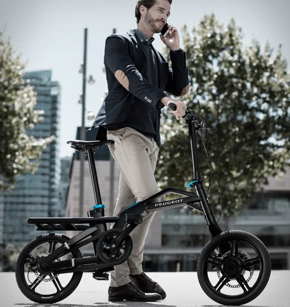 French automaker Peugeot have presented the world´s first electric folding…