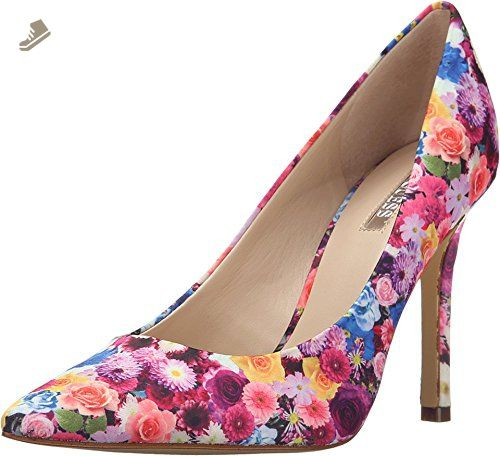 GUESS Women's Eloy Floral Fabric Pump 8.5 M - Guess pumps for women (*Amazon
