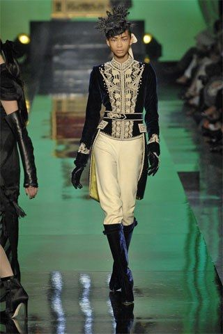 Jean Paul Gaultier Fall 2007 Couture Collection Photos - Vogue