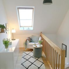 Photo of Flur im Obergeschoss #living #Skandinavisch #Flur #W…