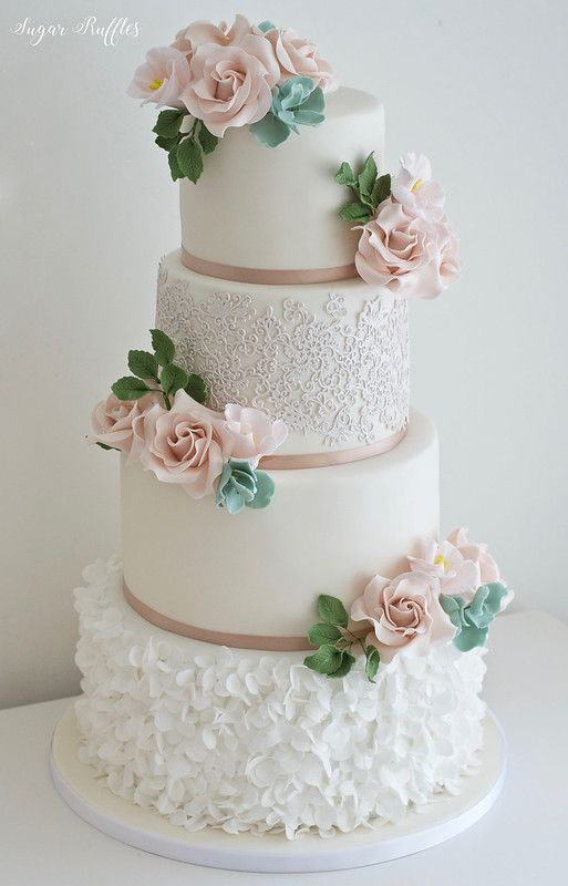 Quicksand rose wedding cake
