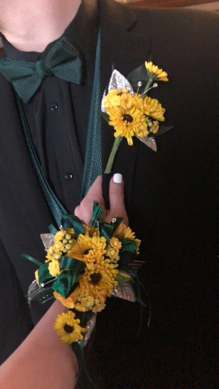 Green Prom Dress And Sunflower Corsage Prom Flowers Corsage Prom Corsage And Boutonniere Corsage Prom [ 1334 x 750 Pixel ]