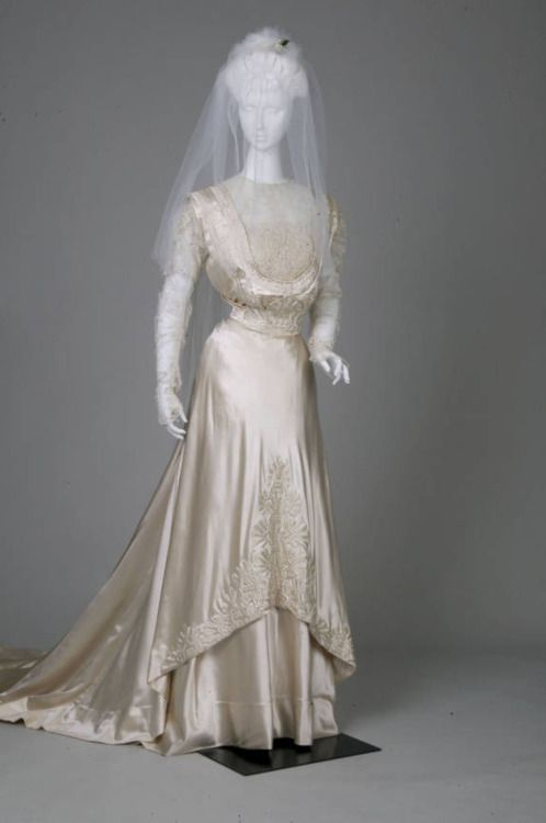 Wedding Dress, 1909, From The Chicago History Museum