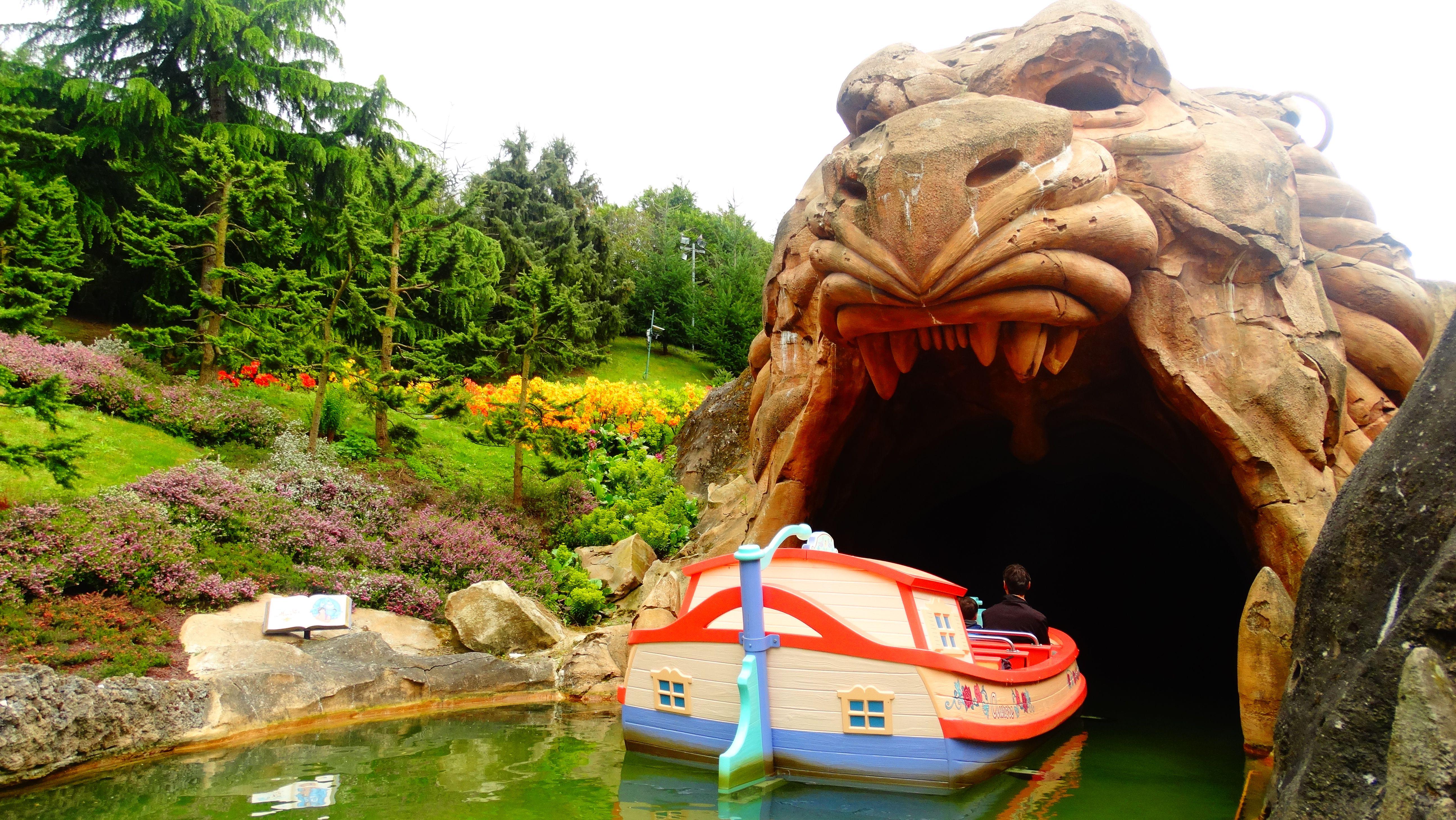 Le Pays De Contes De Fees Fantasyland Disneyland Paris