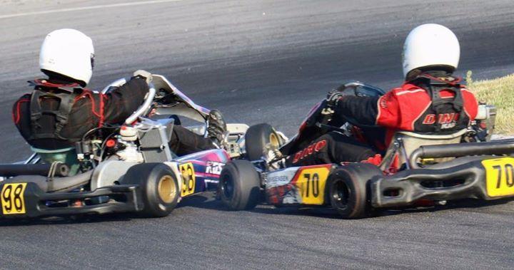 Et Action Billed Fra Kobenhavns Gokart Bane Ved Onsdagslobet 25 5 16 To Korere Sla Om At Komme Forst Ind I Harnale Svinget Flere A Go Kart Motorsport Karting
