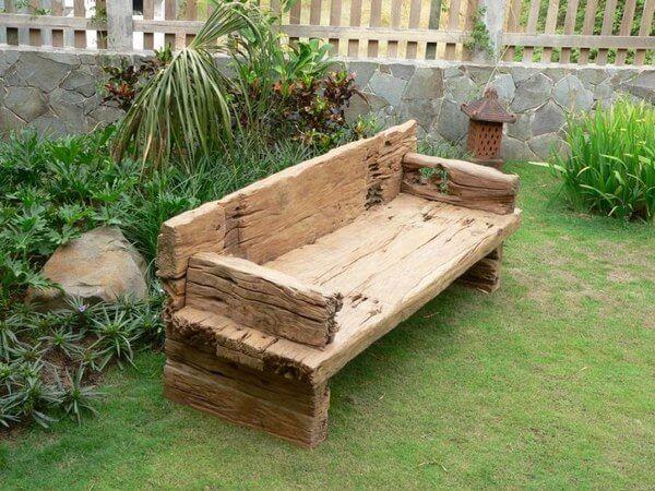 Jardines con traviesas de madera traviesas de tren for Vigas de madera para jardin