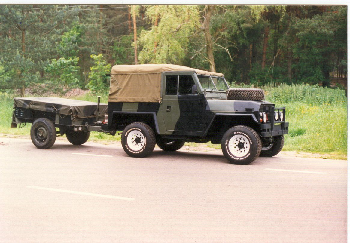ex military land rover series 3 lightweight with a sanky. Black Bedroom Furniture Sets. Home Design Ideas