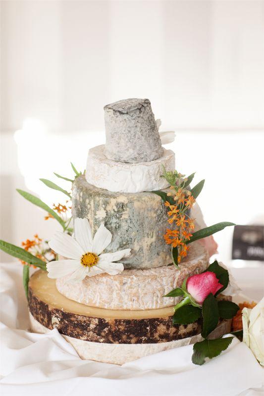 A Late Summer Garden Party Gallery Rock My Wedding Uk Wedding Planning Directory Wedding Dessert Table Rustic Classic Wedding Cake Green Themed Wedding