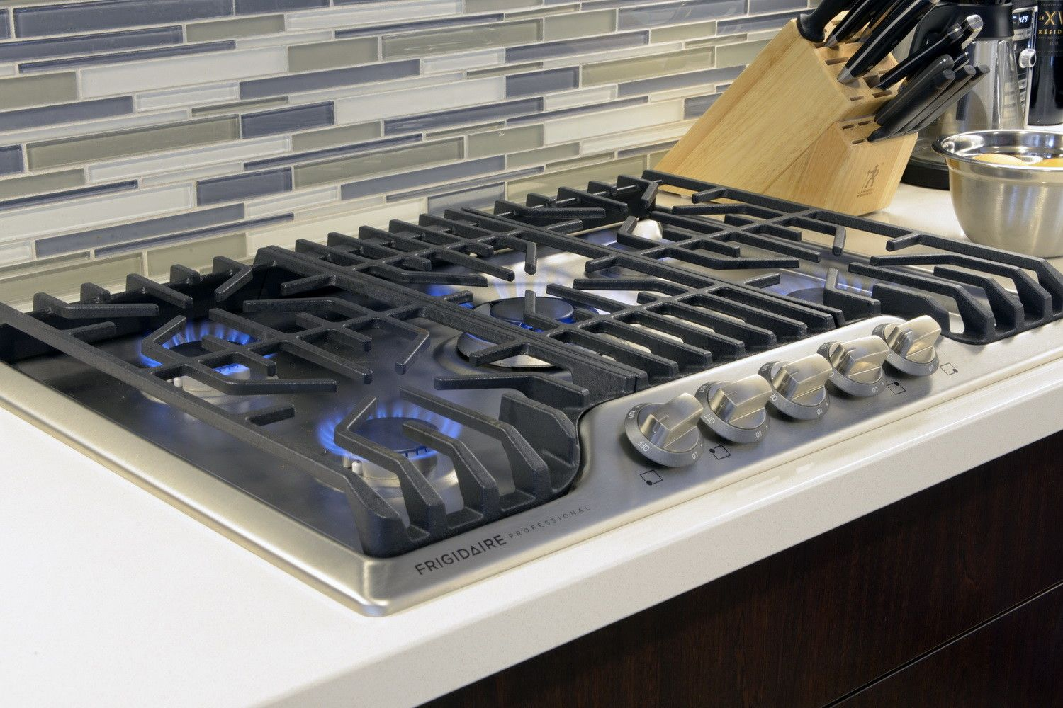 Whipping Up Dinner Is A Gas With Frigidaire S Professional Cooktop Grohe Kitchen Faucet Grohe Kitchen Gas Stove