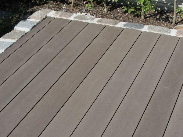 Bildergebnis für wpc terrasse pflaster übergang | tuin | Pinterest ...