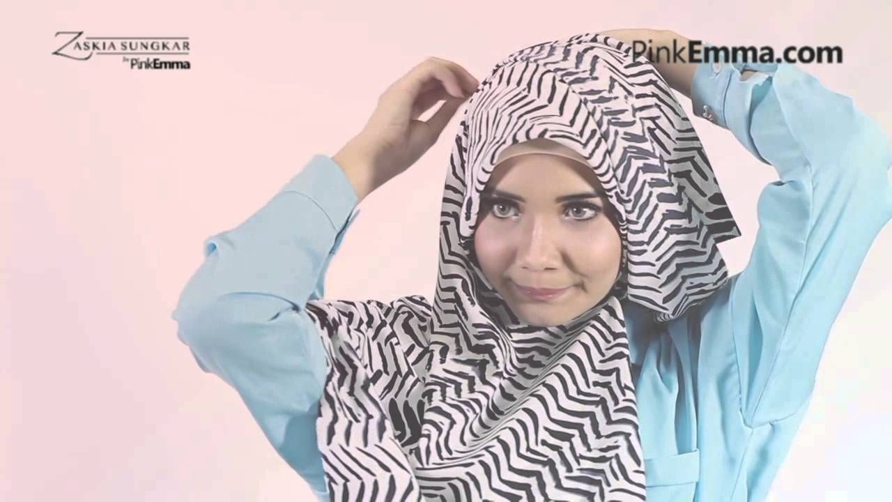Tutorial Hijab Zaskia Sungkar Simple