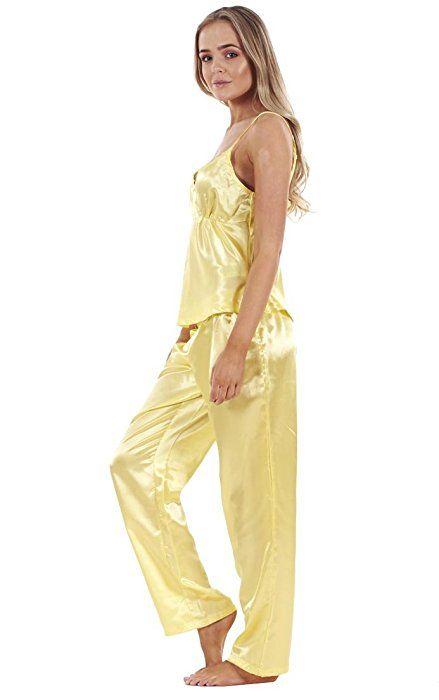 Ensemble pyjama femme 3 pièces en satin avec débardeur dentelle et short 202cabe051f