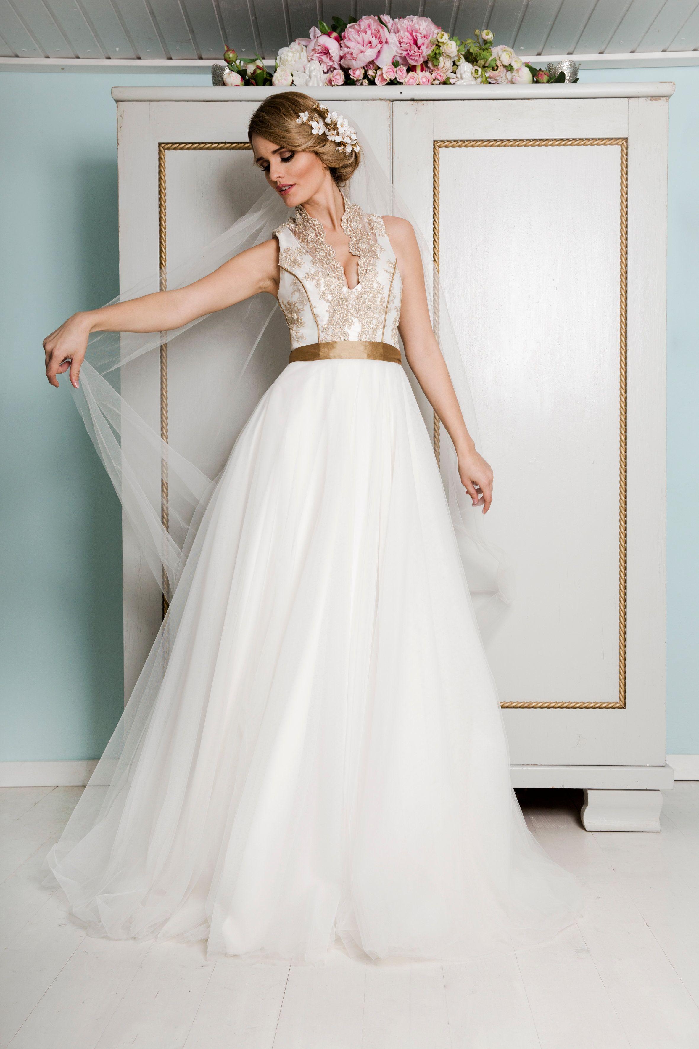 Unser zauberhaftes Brautkleid Charlene in Gold und Elfenbein ...