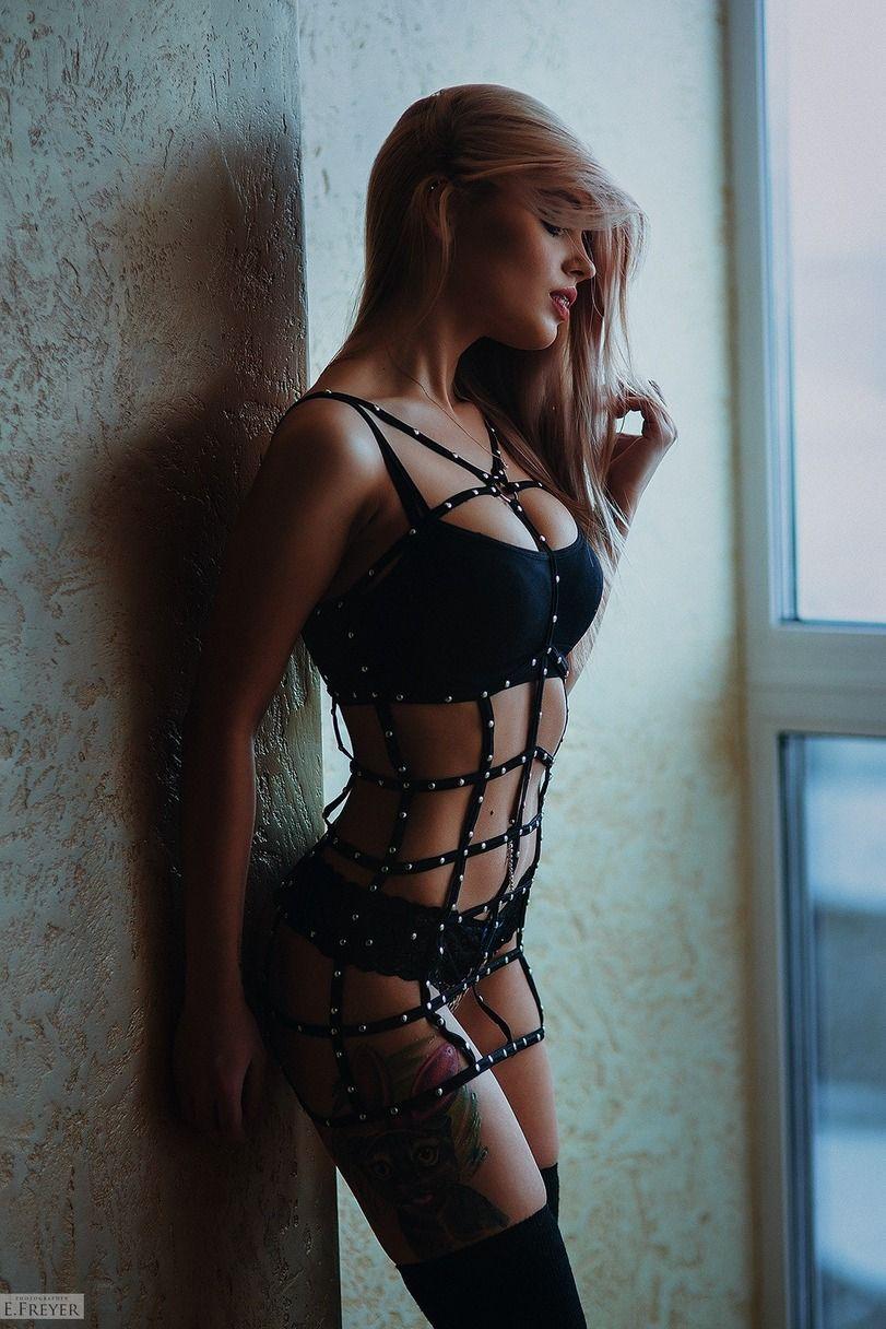 prekrasnie-foto-obnazhennoy-zhenskoy-figuri-seks-s-teshey-krupnim-planom