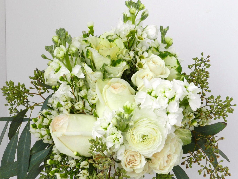 Картинки с белыми букетами цветами