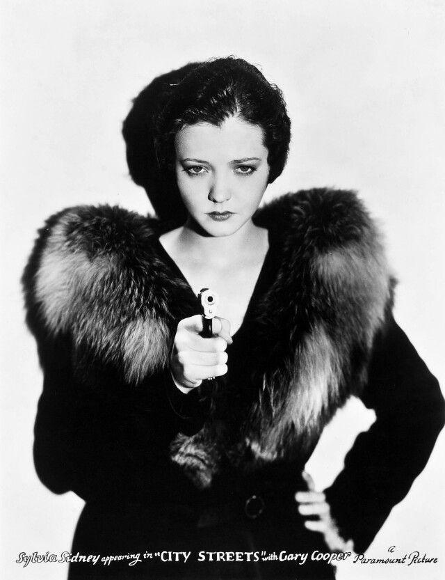 "Sylvia Sydney- Publicity shot for ""City Streets"" 1931 fashion style 30s jacket fur hair"