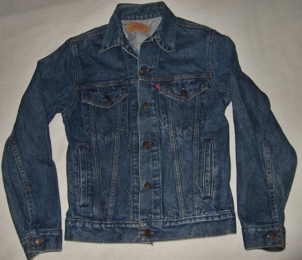 Levis jean jacket sizing