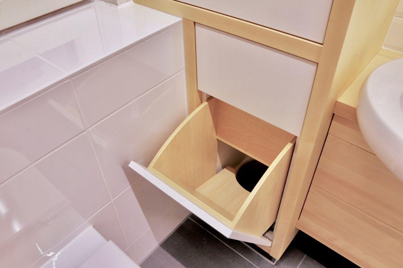 Pin Von Lalimaus Auf Badezimmer In 2020 Wascheschacht Wascheabwurf Badschrank