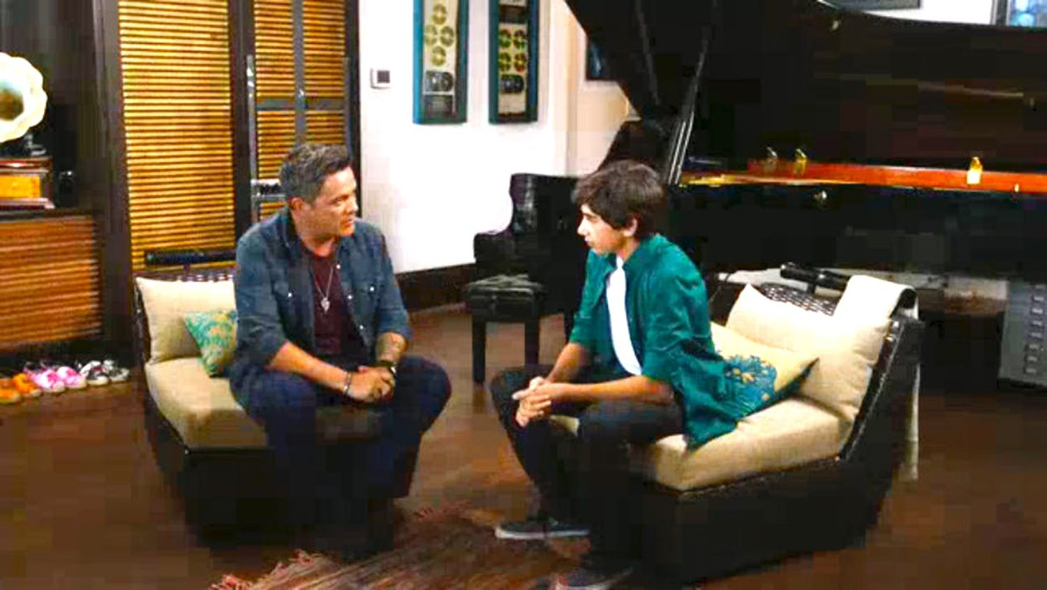 Alejandro Sanz Receives Alan Matheus In His Home Home If I Stay Alan