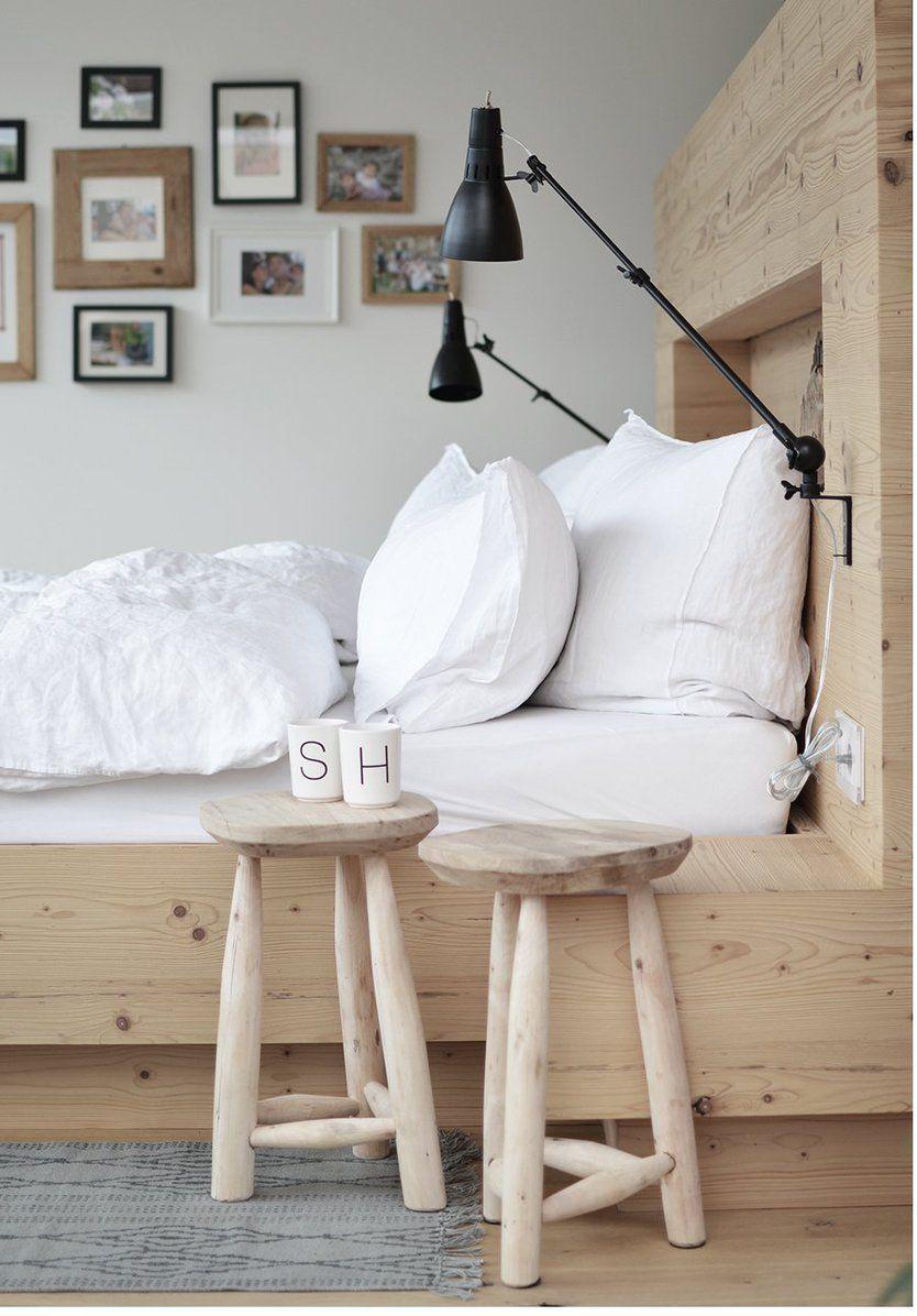 statt einem nachtk stchen runde holzhocker stools schemel hocker pinterest. Black Bedroom Furniture Sets. Home Design Ideas