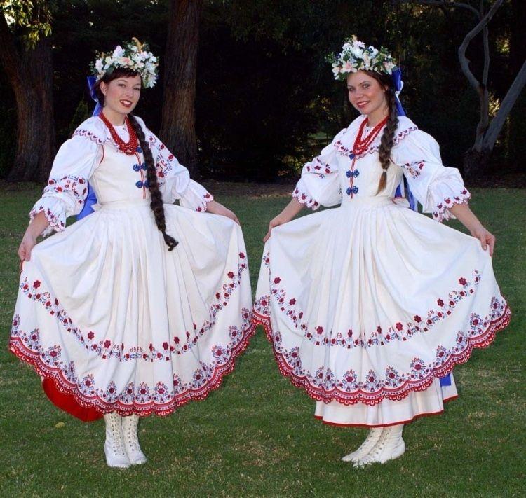 Wedding Customs: Traditional Polish Wedding Dress