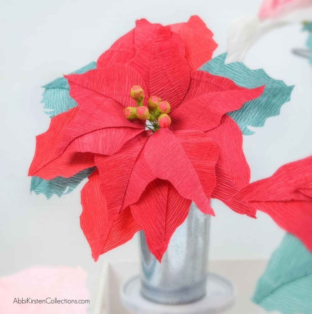Crepe Paper Poinsettia Flowers Free Poinsettia Template And Tutorial Paper Flowers Flower Tutorial Paper Flower Supplies