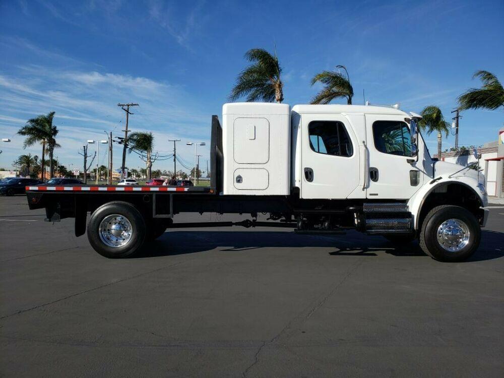 2008 Freightliner T700 Freightliner Crew Cab Overland Truck