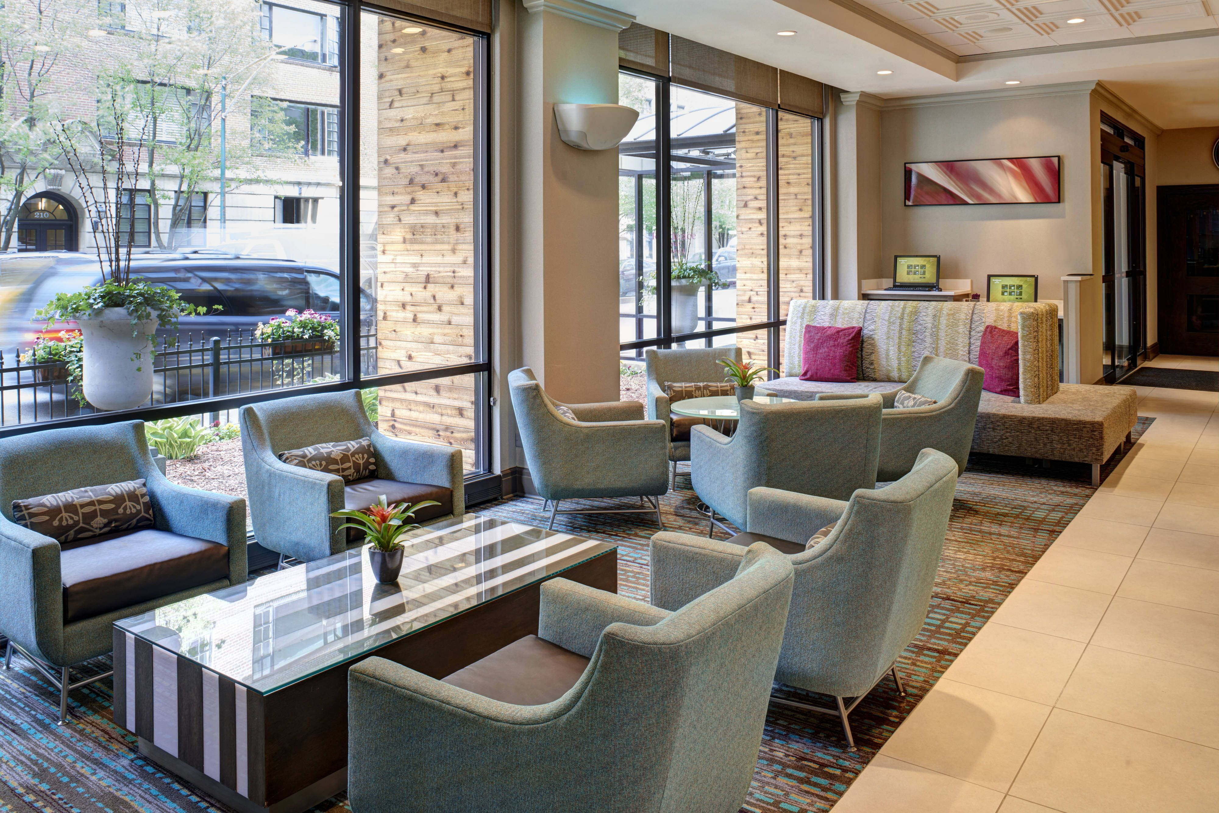 Residence Inn Chicago Downtown Magnificent Mile Lobby Holiday Hotels Enjoying Chicago Interior Design Cheap Hotel Room Hotel Room Discounts