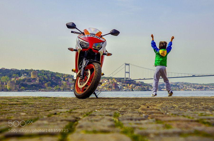 All ages happiness by bozukkadraj. Please Like http://fb.me/go4photos and Follow @go4fotos Thank You. :-)