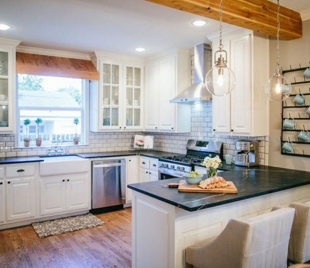 Farmhouse Kitchen With Dark Cabinets: Fixer Upper Kitchen, Kitchens And House