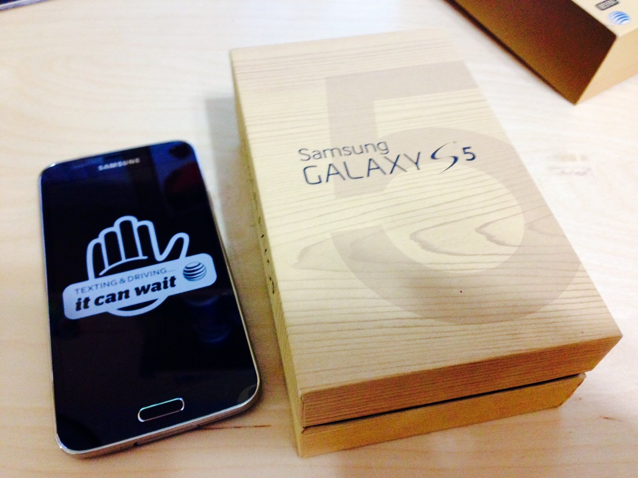 Unpacking Samsung Galaxy S5 80GB Storage Getting Phone Ready For Use