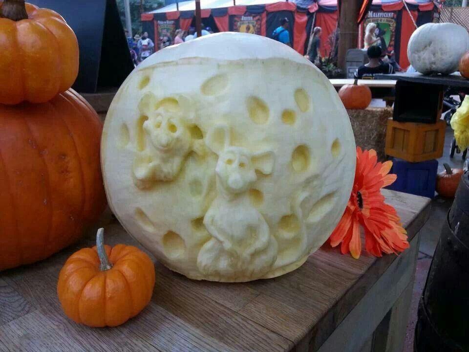 Disneyland pumpkin carvers