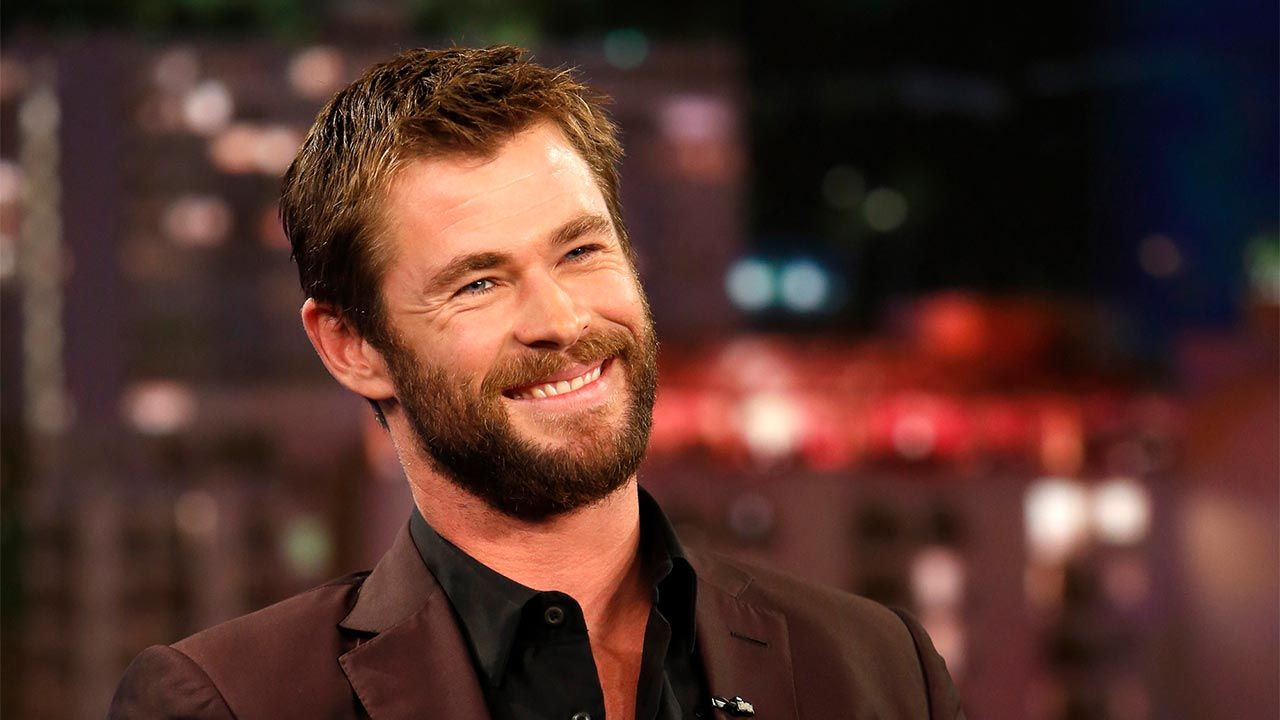 Hollywood Actor Chris Hemsworth Handsome Movie Photos Wallpapers Style Gorgeous Man Stunning Looks H Chris Hemsworth Thor Chris Hemsworth Hair And Beard Styles