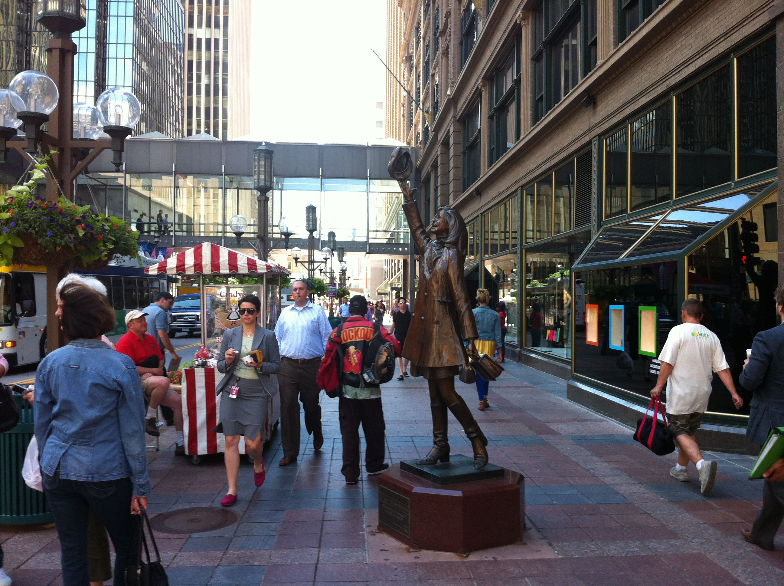 Things To Do In Minneapolis On Summer Thursdays Nicollet Mall