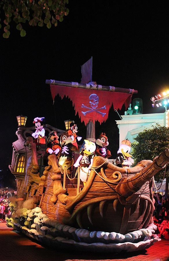 Hong Kong Disneyland Halloween vs. Ocean Park Halloween | Disney ...