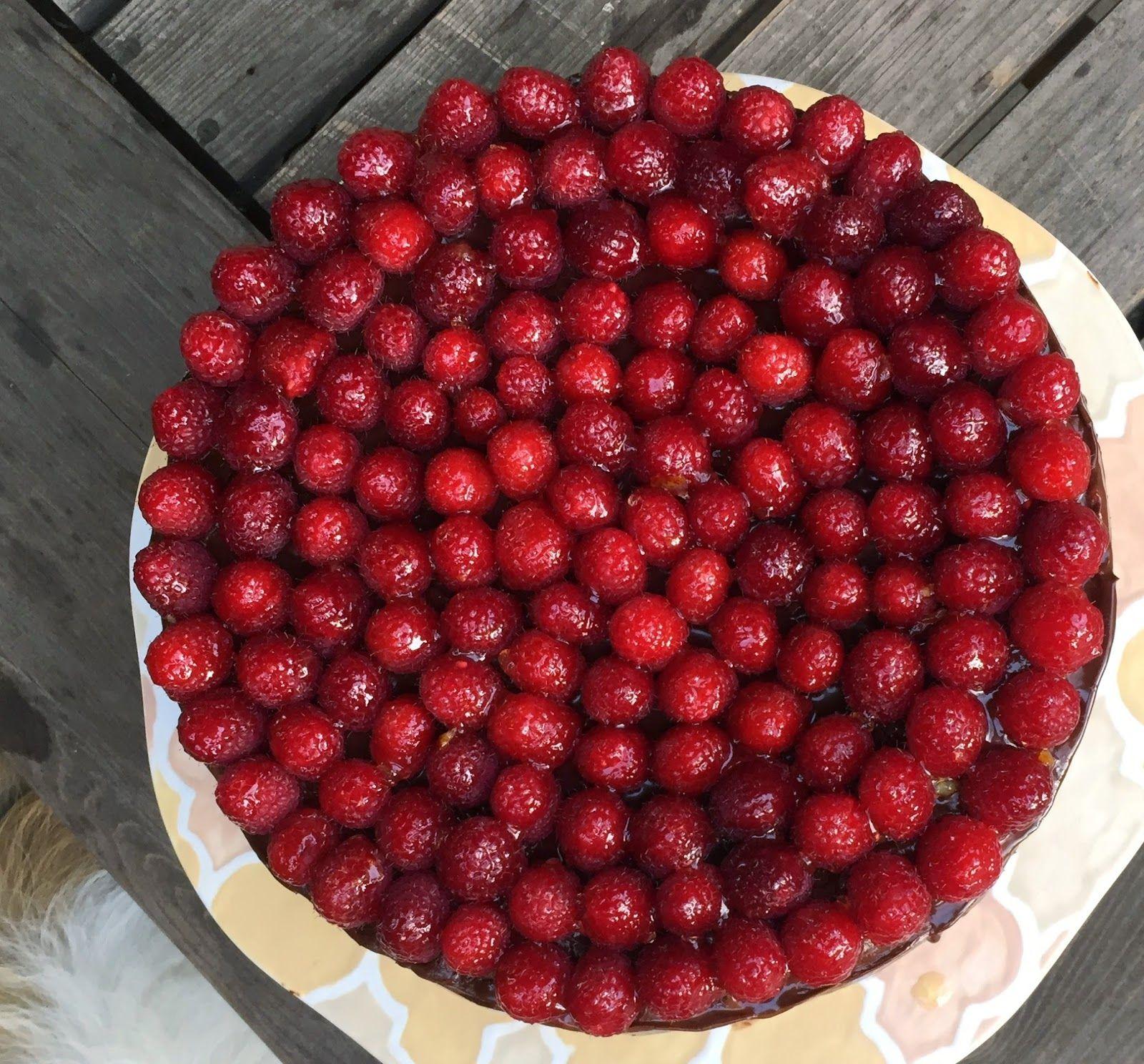 I Like to Bake: Flourless Chocolate Raspberry Cheesecake