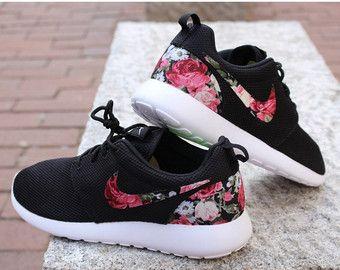 Floral Nike Run Roshe personnalisé noir blanc Roses par