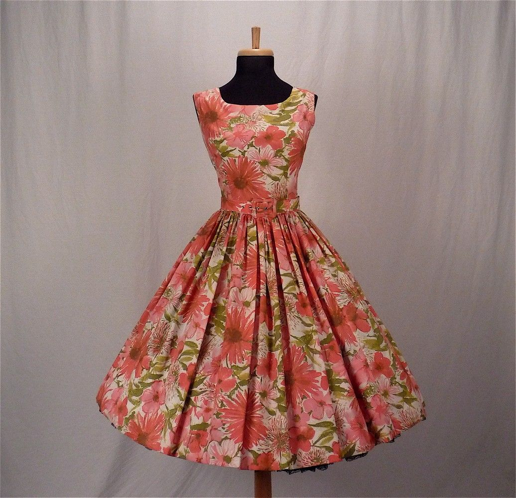 Fashion Women Clothing 50s