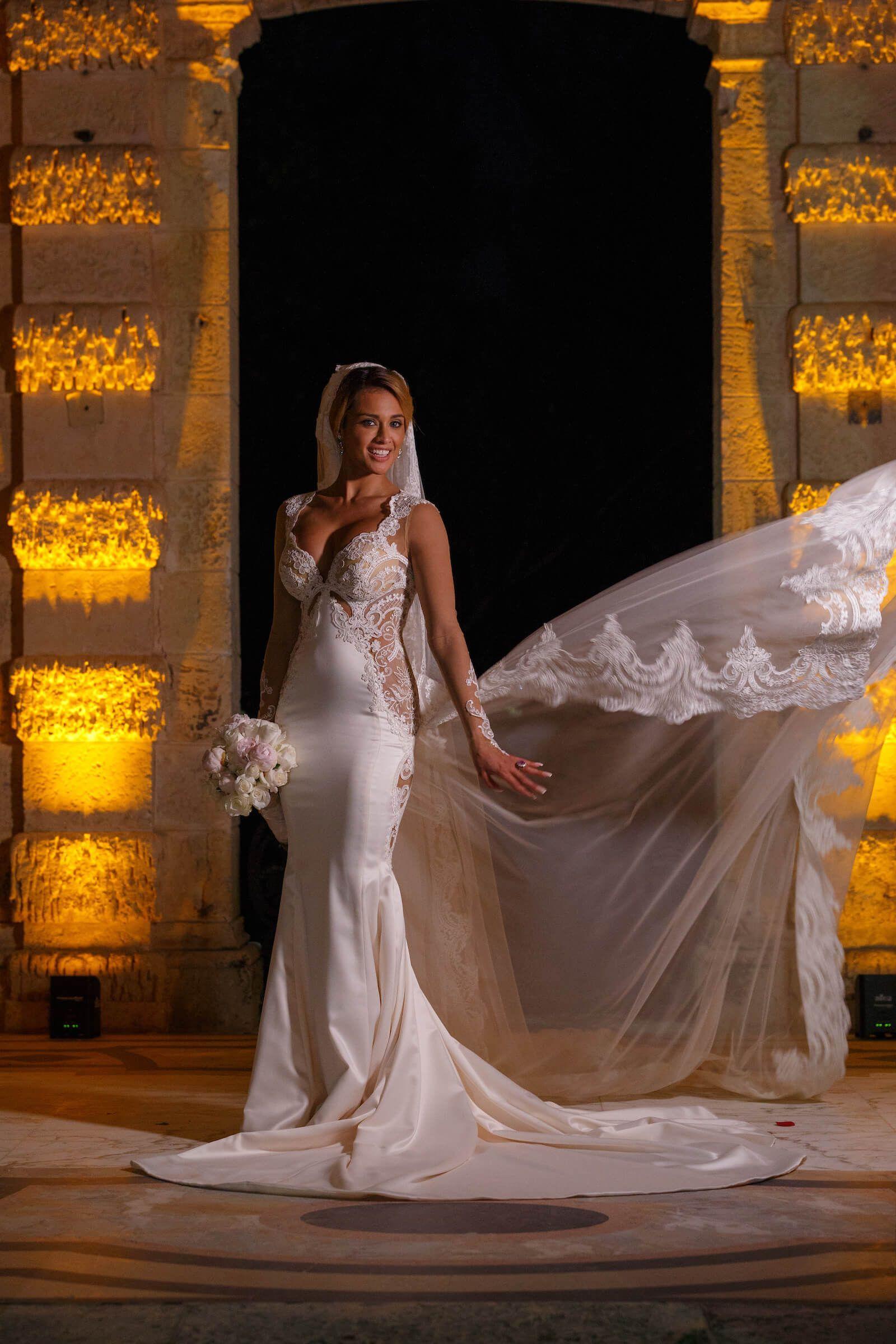 Bridal Portrait |Vizcaya Miami Wedding | Aram Event Photography | Vizcaya Bridal Portrait Poses |Bridal portrait Ideas #bridalportraitposes Bridal Portrait |Vizcaya Miami Wedding | Aram Event Photography | Vizcaya Bridal Portrait Poses |Bridal portrait Ideas #bridalportraitposes