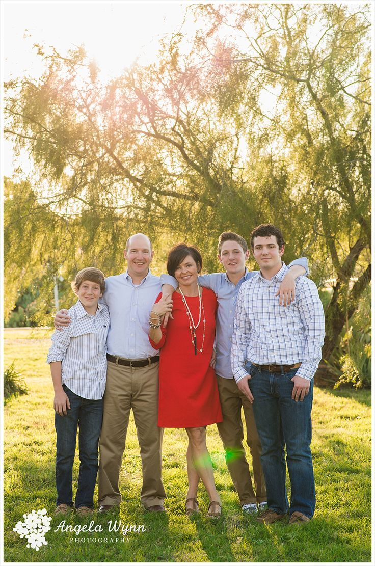 Image result for 6 Family Photo Poses for Adults