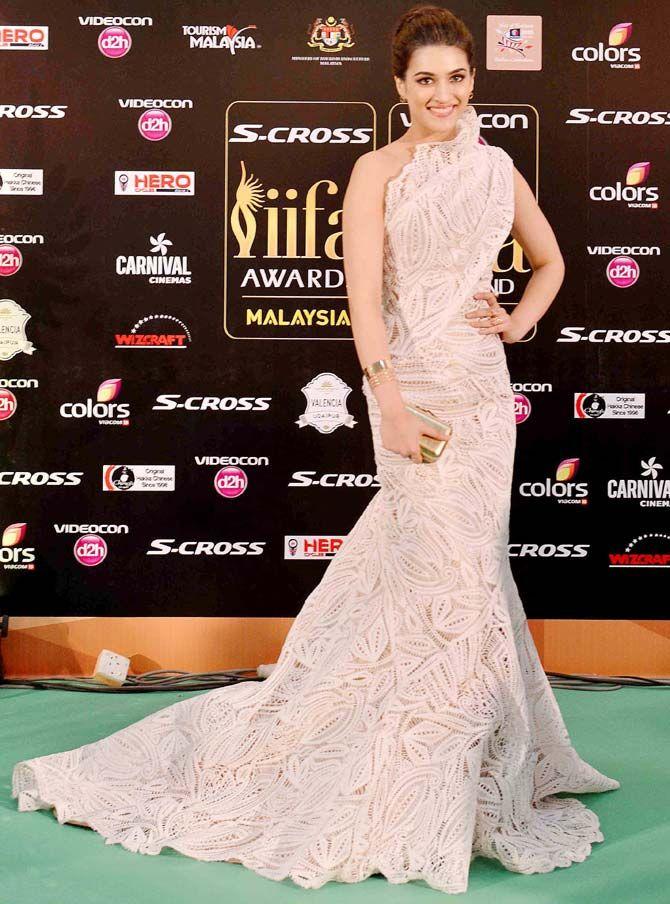 Kriti Sanon Red Carpet Fashion Dresses Fashion