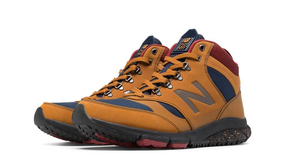 New Balance 710 Moda